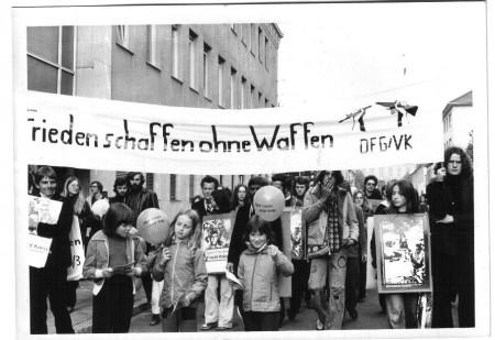 Historische-Demo_Frieden schaffen