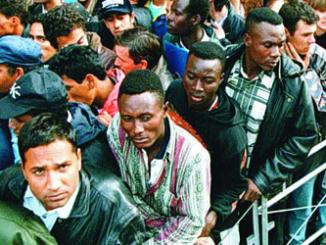 Einwanderung-Einwanderer-AuslC3A4nder-Asylbewerber-FlC3BCchtlinge.png